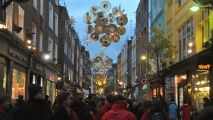 West End shoppers to blow £150m this weekend.