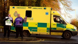 Hunt: No plans to raise ambulance waiting times