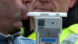 Police to test drivers with 'drugalyser' kits.