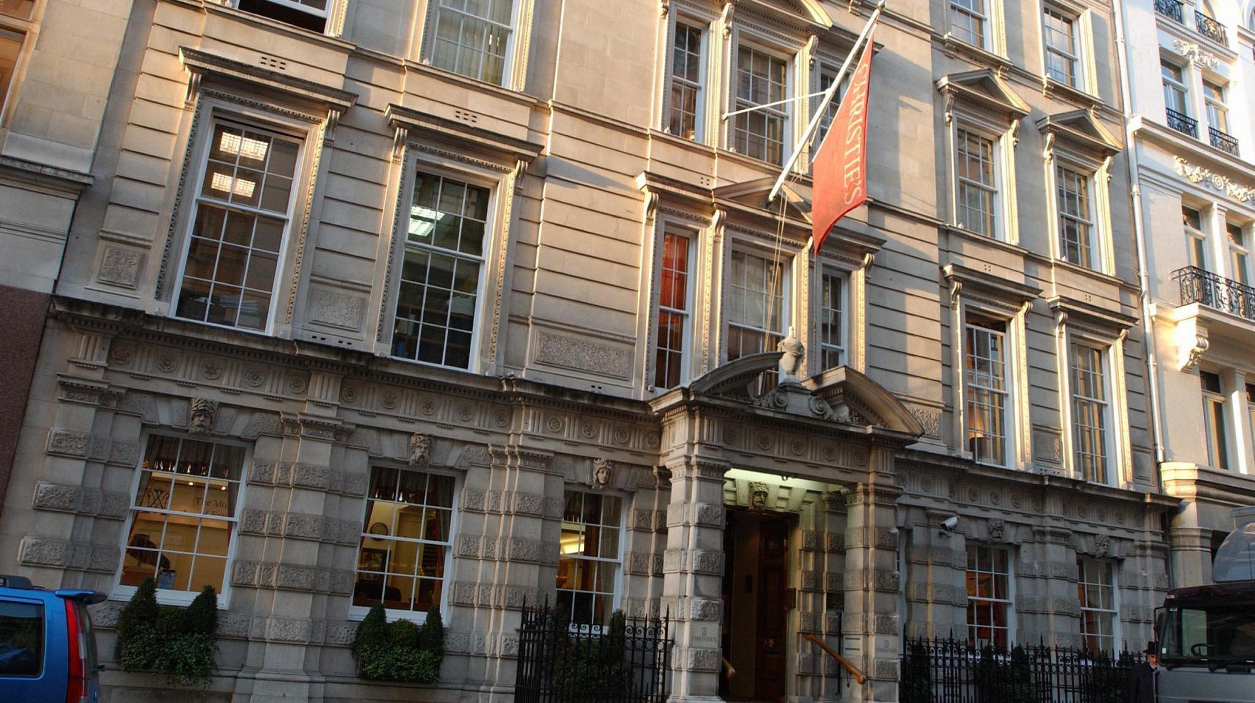'High value' raid on Christie's auction house - ITV News