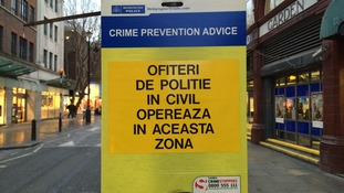 Police warnings in Romanian attempt to stop pickpockets targetting Christmas shoppers