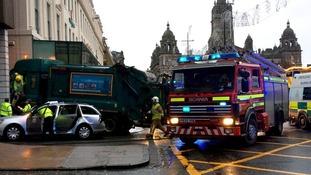 Bin lorry 'crashes into pedestrians' in Glasgow city centre