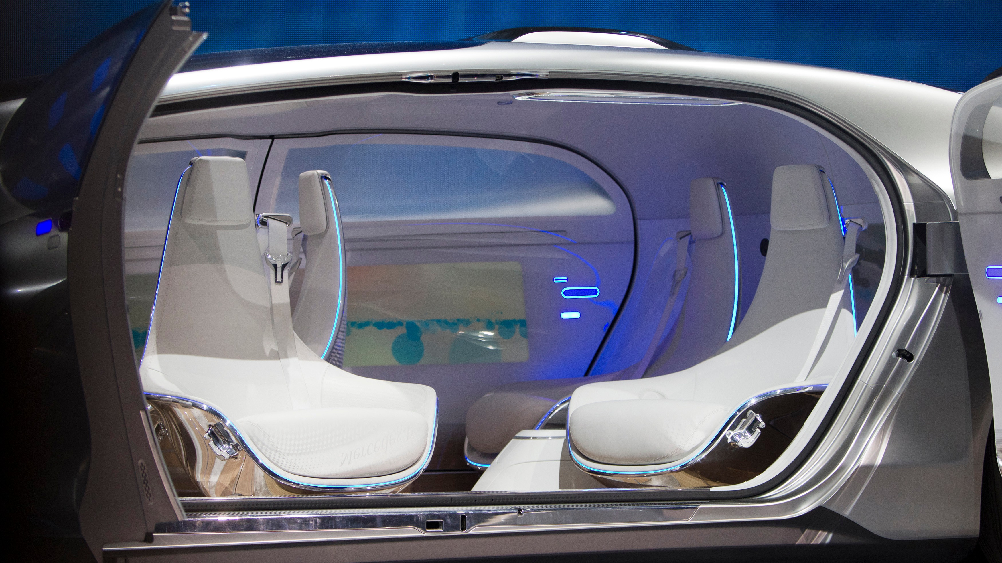 Mercedes Offers Glimpse Inside The Car Of The Future Itv