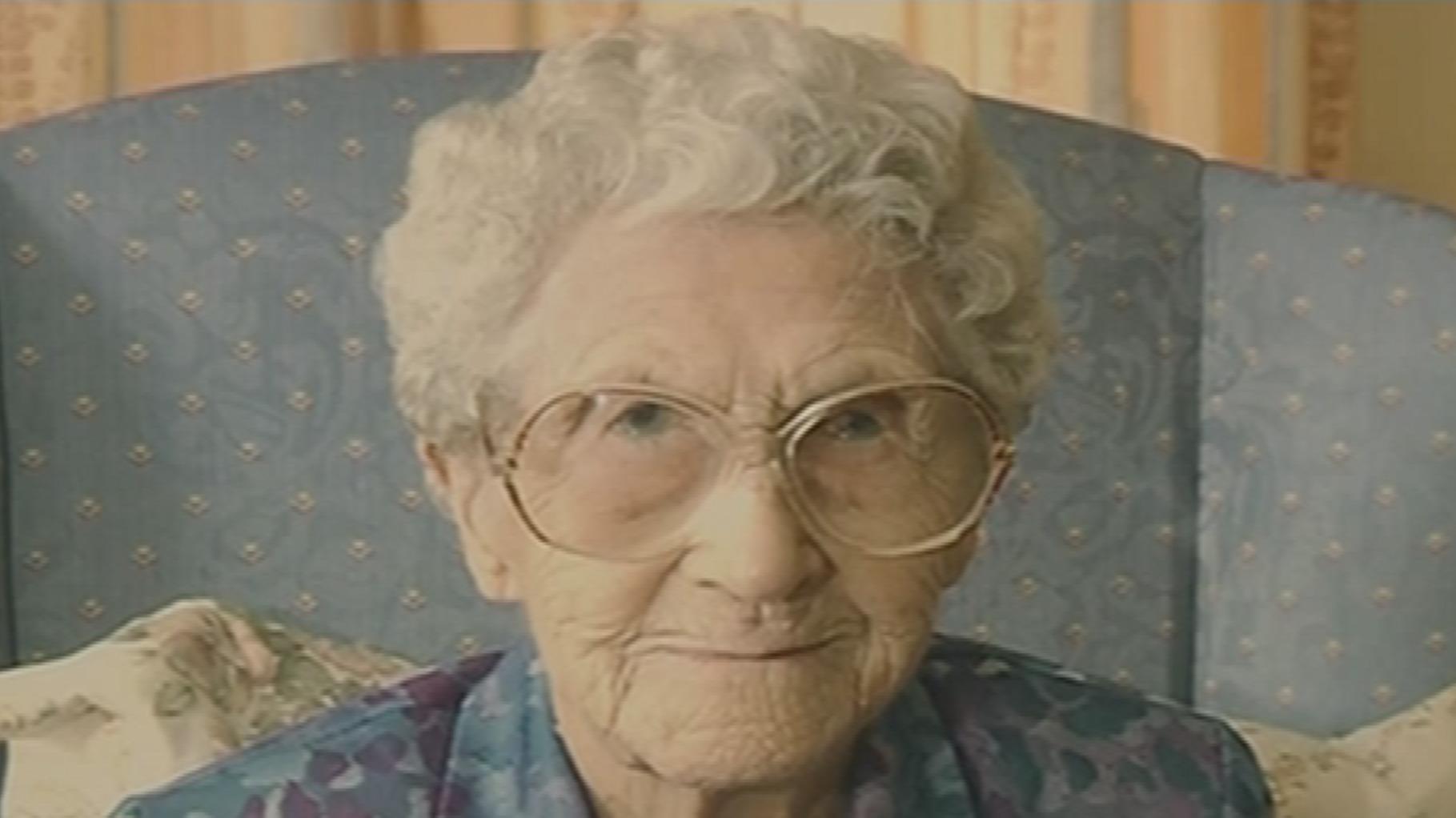 Oldest person in Britain dies, aged 114 - ITV News