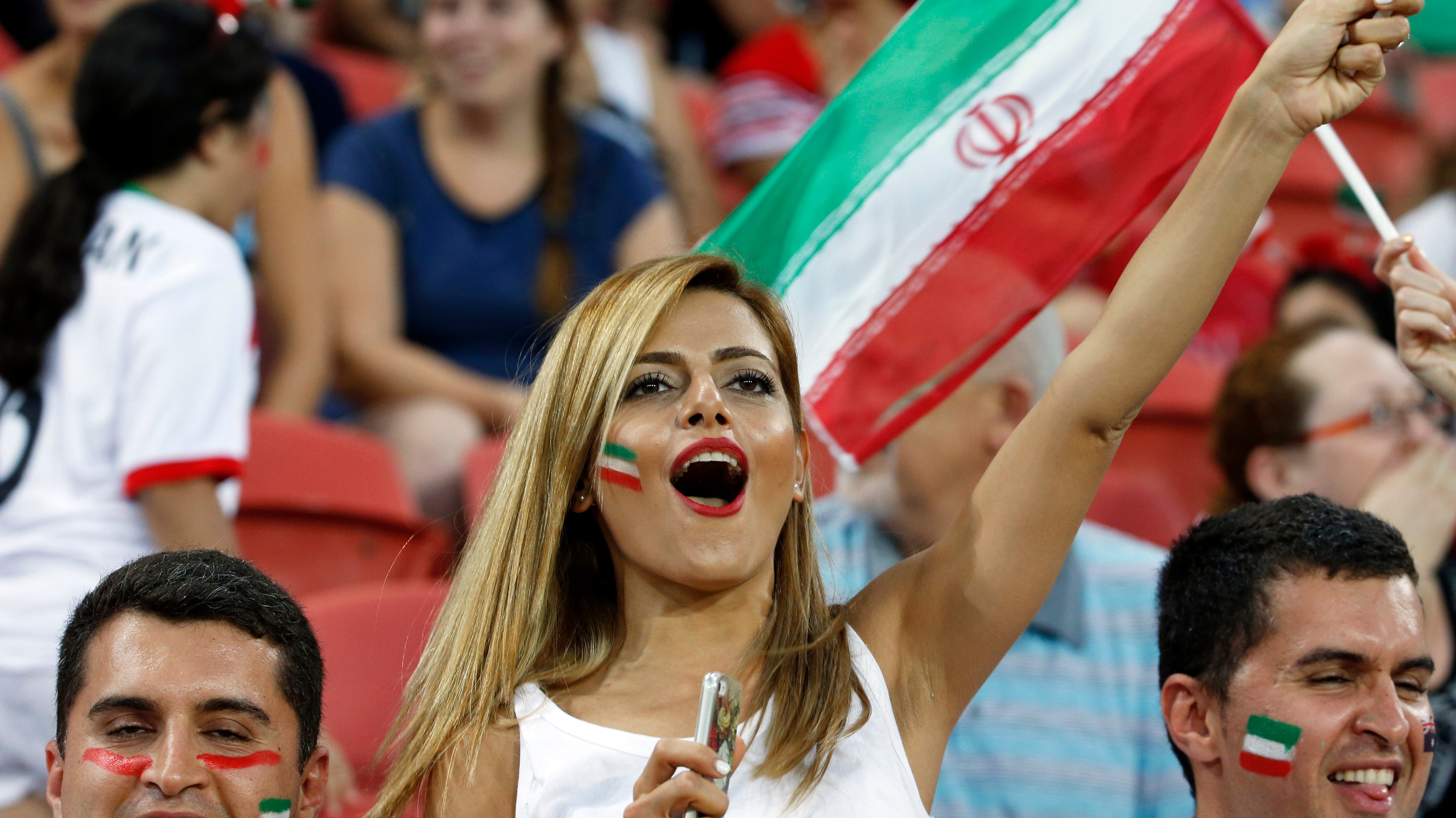 Iranian Footballers Banned From Selfies With Female Fans
