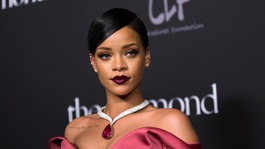 Rihanna wins T-shirt legal battle with Topshop