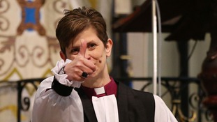 Rev Libby Lane gives a thumbs up.