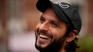 Shahid Afridi has agreed to join Northamptonshire.