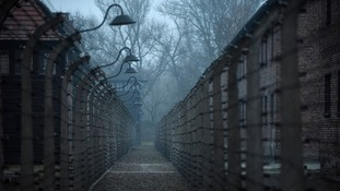 Thousands worldwide remember Holocaust victims