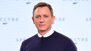 Daniel Craig injures knee filming new 007 movie