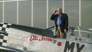Texan WW2 veteran Huie Lamb and the fighter he flew at Duxford