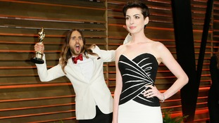 Leto photobombing Anne Hathaway at last year's Oscars.