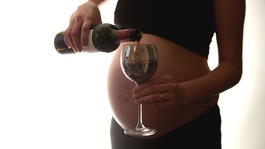 Calls for advice to change on drinking while pregnant