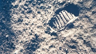 Lot 258: Buzz Aldrin - The astronaut's footprint on the Moon, Apollo 11, July 1969