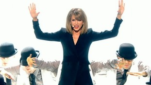 Taylor Swift wowed as she opened the Brit Awards 2015.