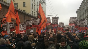 Nemtsov mourners march through Moscow