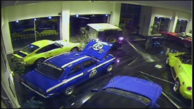 Ford_Escort_Mexico_stolen_in_ram_raid