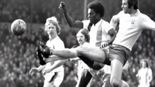 Ces Podd tangles with Peter Osgood
