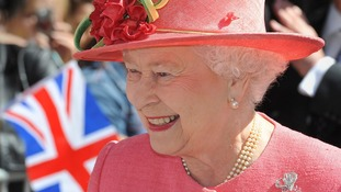 The sun is out for The Queen on her Diamond Jubilee Tour in Birmingham