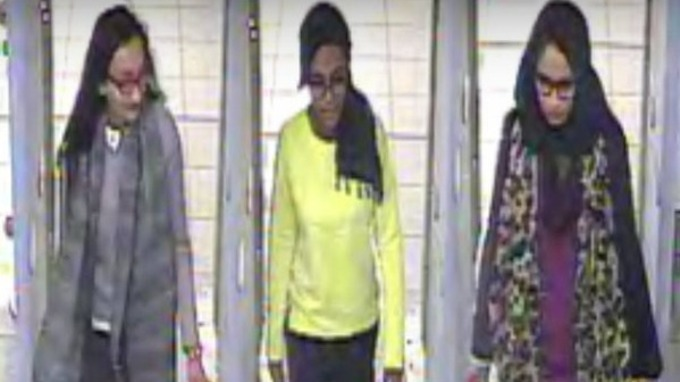From left to right: Kadiza Sultana, Amira Abase and Shamima Begum at Gatwick Airport.