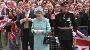 The Queen arrives in Nottingham