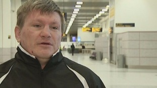 Hatton backing Mayweather to beat Pacquiao