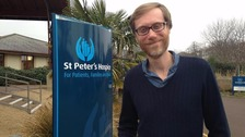 Stephen Merchant visits hospice