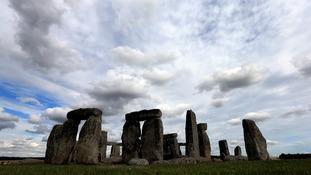 Historians oppose Stonehenge roadworks