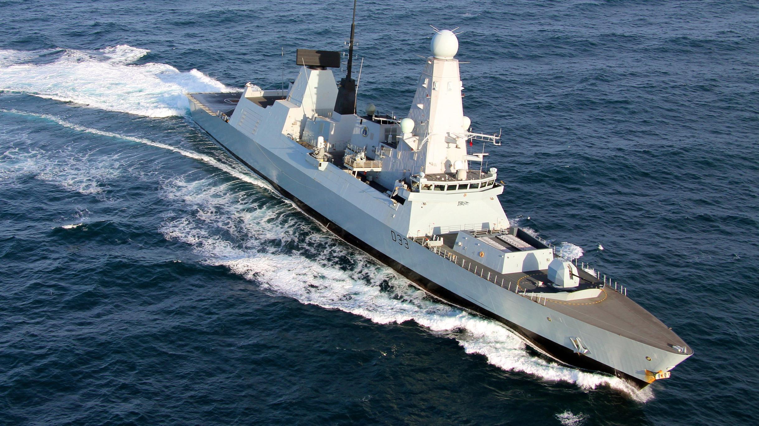 type 45 destroyer hms dauntless enjoys the gulf in dubai