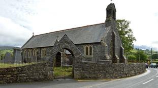 Eglwys Deiniol Sant