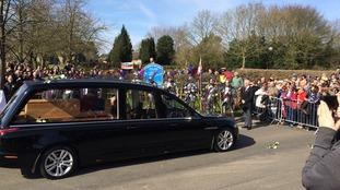 Hundreds look on in awe as the remains of Richard III stop in Sutton Cheney