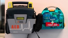 Example of a defibrillator kit