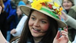 Bob Crampton opens daffodil festival in Somerset