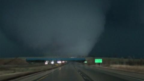 Storm Chasers Catch Us Tornado Up Close Itv News