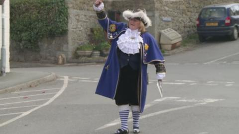 town_crier_for_web