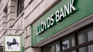Tories promise £4bn cut-price Lloyds shares for investors