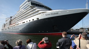 "The 294-meters-long luxury liner ""Queen Elizabeth"" operated by the British Cunard Line"