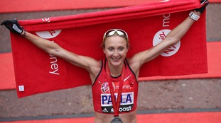 Paula Radcliffe poses after finishing the London Marathon
