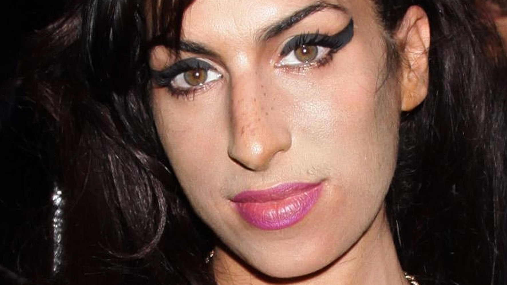 Amy winehouse makeup