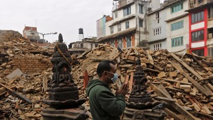 Nepal earthquake: Death toll 'could rise to 10,000'