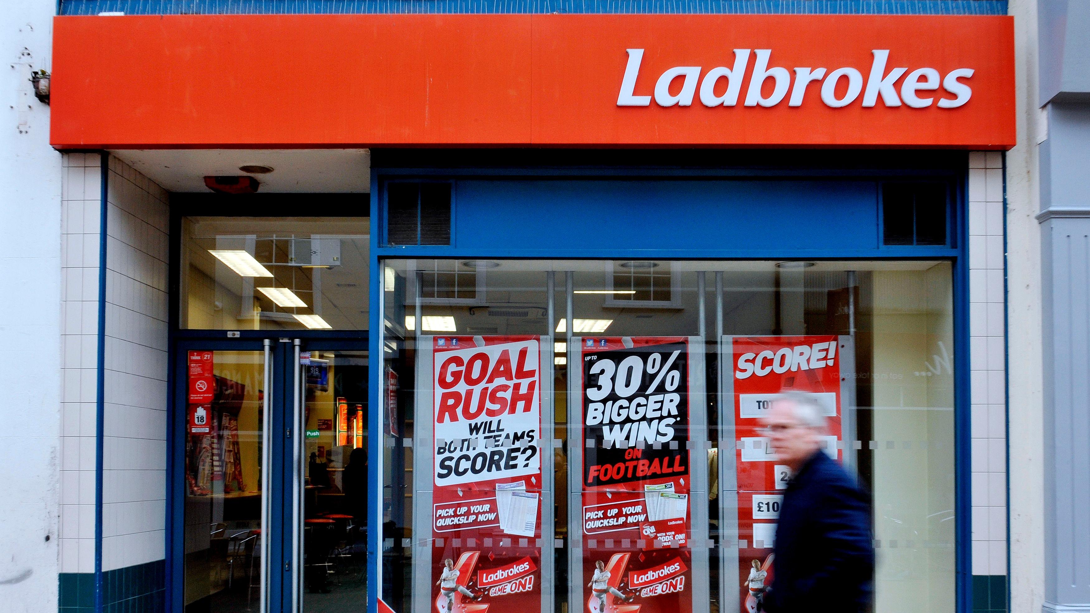 Фотогалерея record breaking election ladbrokes international plc preregister for new global top level  bet win for ladbrokes news stv - Яхтинг на Камчатке