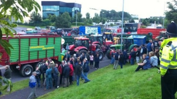 More tractors join the blockade on Friday.