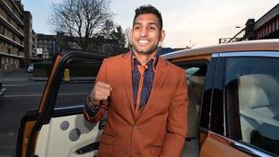 Amir Khan keen on Floyd Mayweather bout