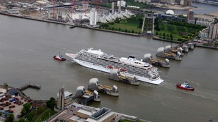 Viking Star goes through the Thames Barrier