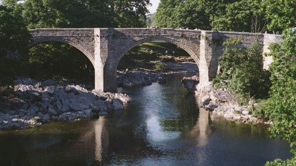 Devil s bridge over the river lune is popular with tombstoners