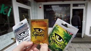 Councils call on the government to ban the sale of legal highs