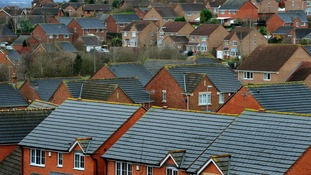 PM pushes ahead with housing association right-to-buy plans
