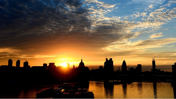 Sun rises over central London