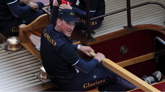 Matthew Pinsent is set to carry the flame onto the Gloriana, which he helped to row during the Diamond Jubilee.