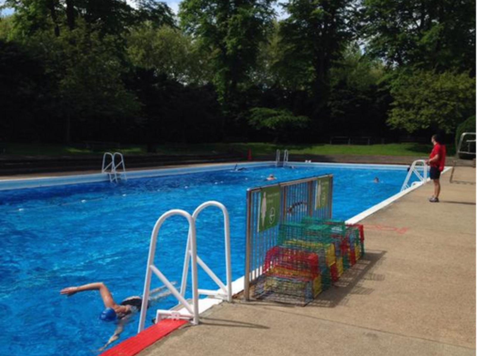 Scuba Divers Sought To Clean Outdoor Pool In Cambridge Anglia Itv News